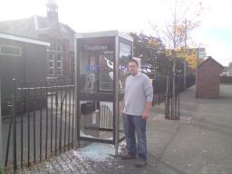 Smashed-up phone box in Stanton-under-Bardon